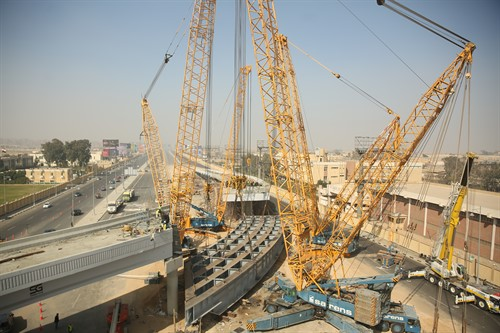 Sarens Lifts Sections of the Gardenia Bridge in Cairo