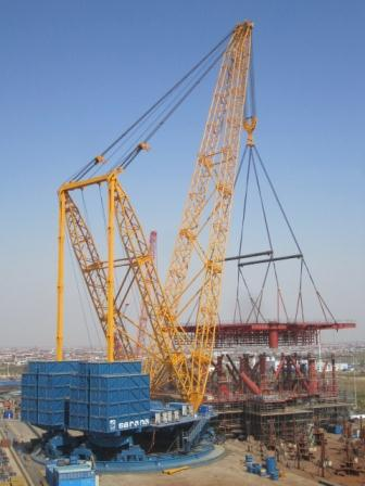 Sarens equipment